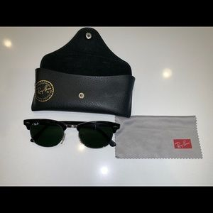Ray-Ban Clubmaster RB2156 901 black sunglasses
